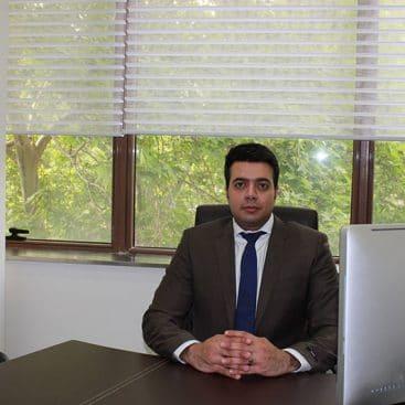 دکتر علی مشکات - جراح دندانپزشک ، متخصص ایمپلنت